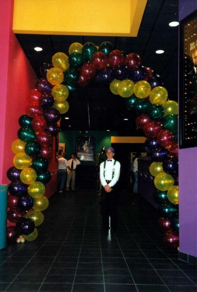 The balloon arch invites you